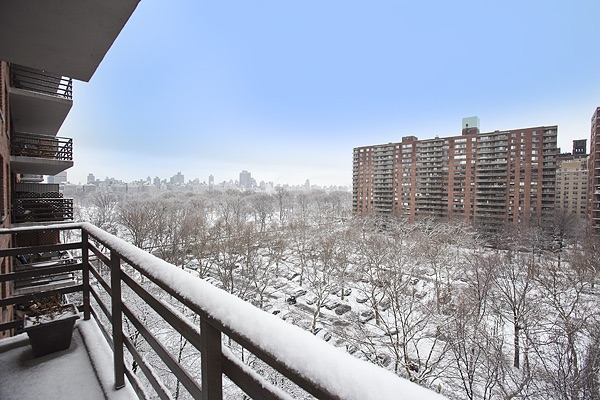 Thinking of buying a manhattan apartment for an investment for Buy apartment in manhattan